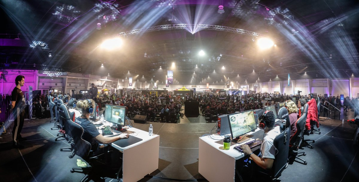 Tournament competitors play in front of a crowd of fans at EGLX last March.