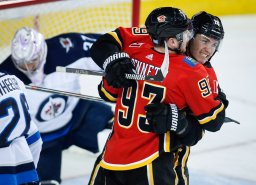 Continue reading: Bennett's 2-point performance propels Flames over Jets 6-3