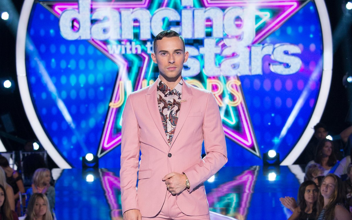 Olympic figure skater Adam Rippon sat down with Global News to discuss what it's like to be a judge on 'Dancing With the Stars: Juniors.'.