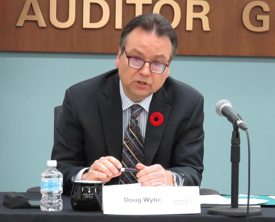 Alberta's new auditor general Doug Wylie delivers his first report in Edmonton, Wednesday, Nov.7, 2018. Wylie says the province needs to do a better job monitoring the contracts to run its $1-billion SuperNet program delivering broadband access.