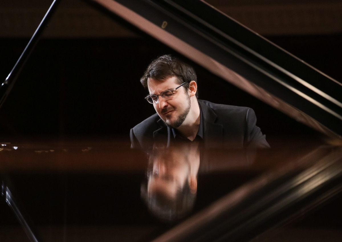 Canadian pianist Charles Richard-Hamelin performs during the third competition auditions of the 17th International Fryderyk Chopin Piano Competition at the Warsaw Philharmonic Concert Hall, in Warsaw, Poland, 16 October 2015.