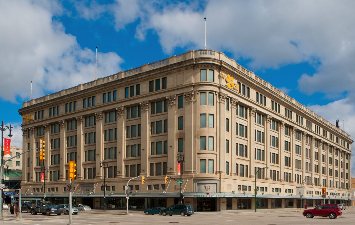 An appraisal of the Bay building in downtown Winnipeg has found it to be virtually worthless.