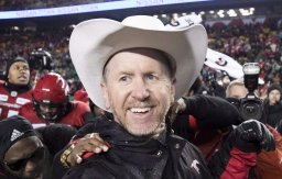 Continue reading: Stampeders coach Dickenson dealing with 'so much uncertainty' in off-season
