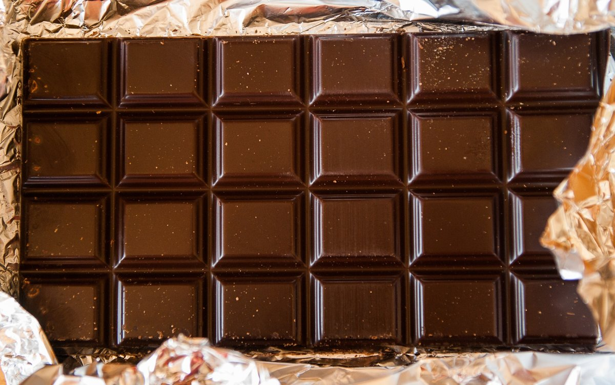 Manitoba tots treated after eating pot chocolate - image