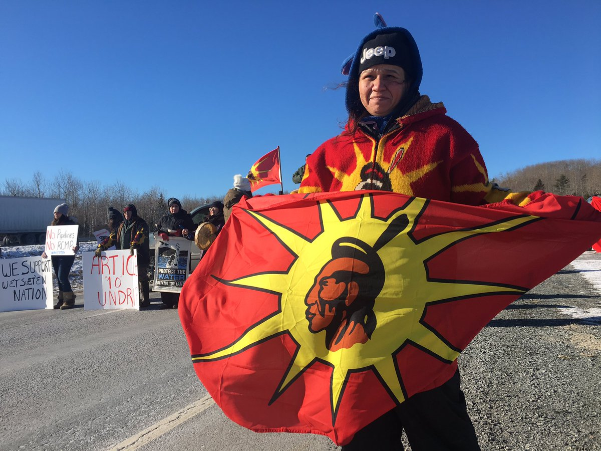 Protesters blocked a portion of Highway 102 in Nova Scotia on Tuesday morning in support of the anti-pipeline protests in B.C.