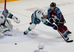 Continue reading: Antoine Roussel, Jake Virtanen lead Canucks to 5-1 win over Avalanche