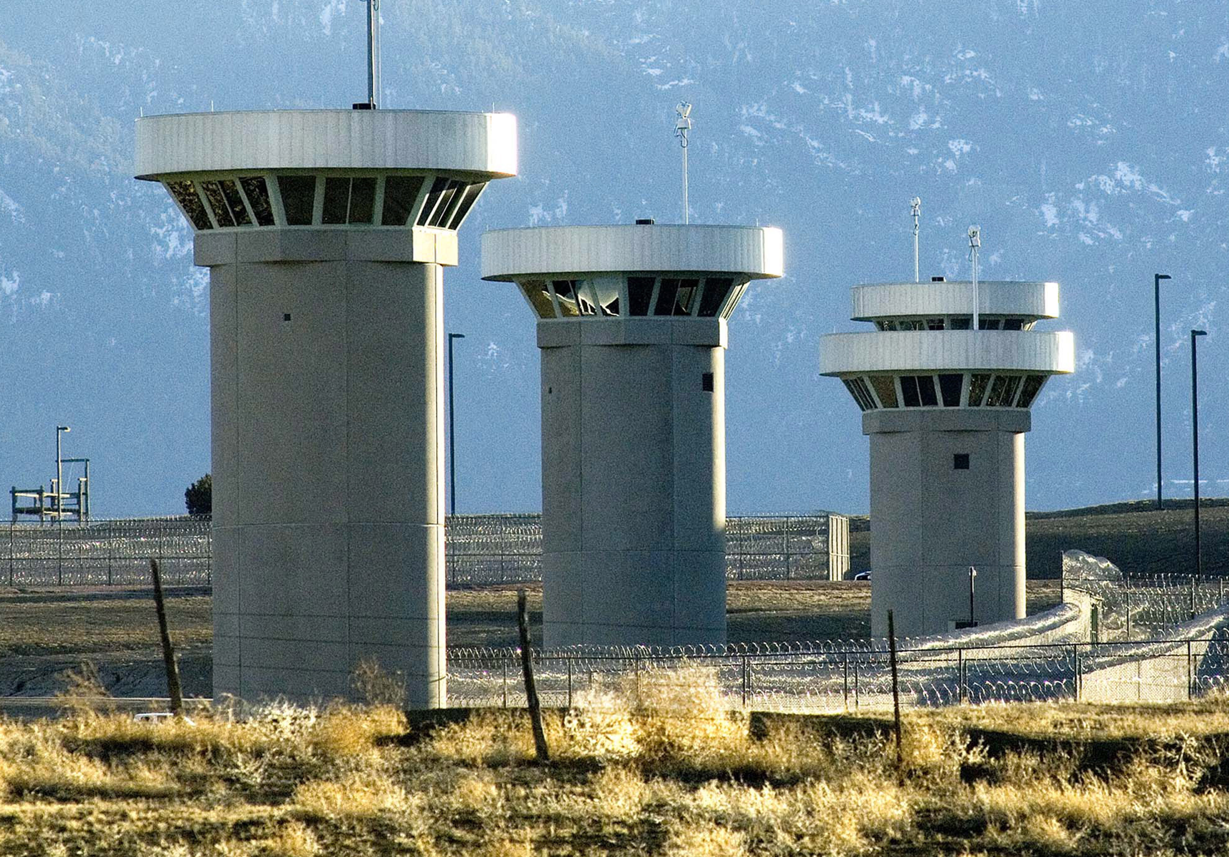Will El Chapo escape prison again? Experts say unlikely if he heads to the  'Alcatraz of the Rockies' - National