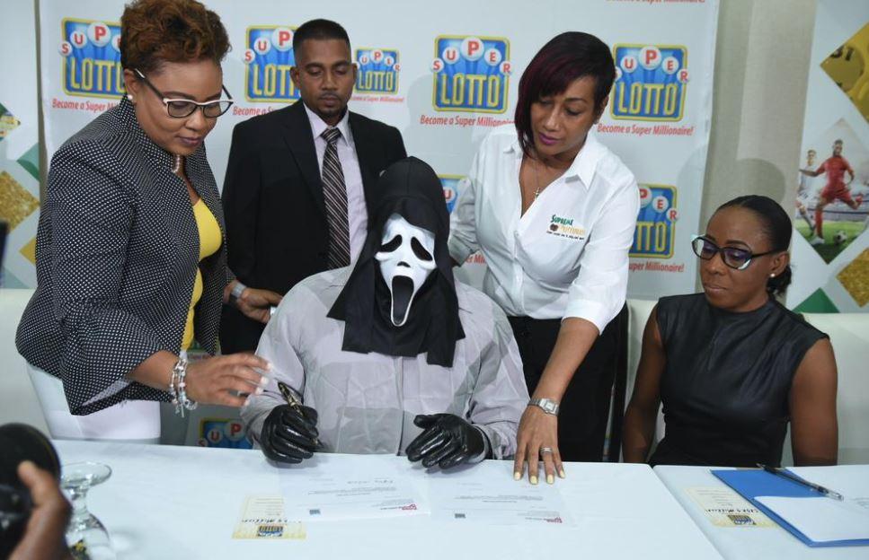 Lottery winner wears 'Scream' mask to hide identity after hitting $1.5M jackpot - image