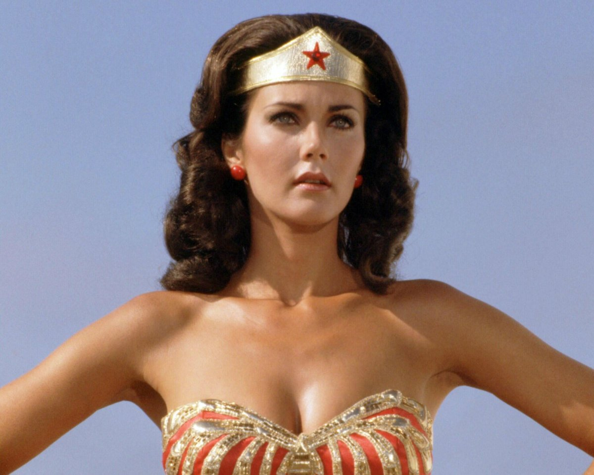 Don't miss your opportunity to see Wonder Woman herself, Lynda Carter, live on stage on Thursday, April 25.