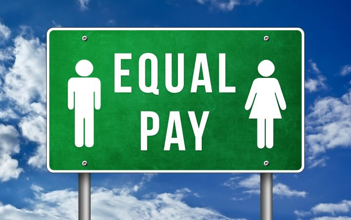 Saskatchewan women between the ages of 25 and 54 earned $4.88 less per hour compared to men in 2018, according to a recent report by Statistics Canada.