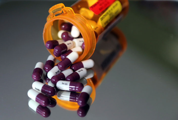 Many Canadians support the idea of a national pharmacare program, according to a new poll.