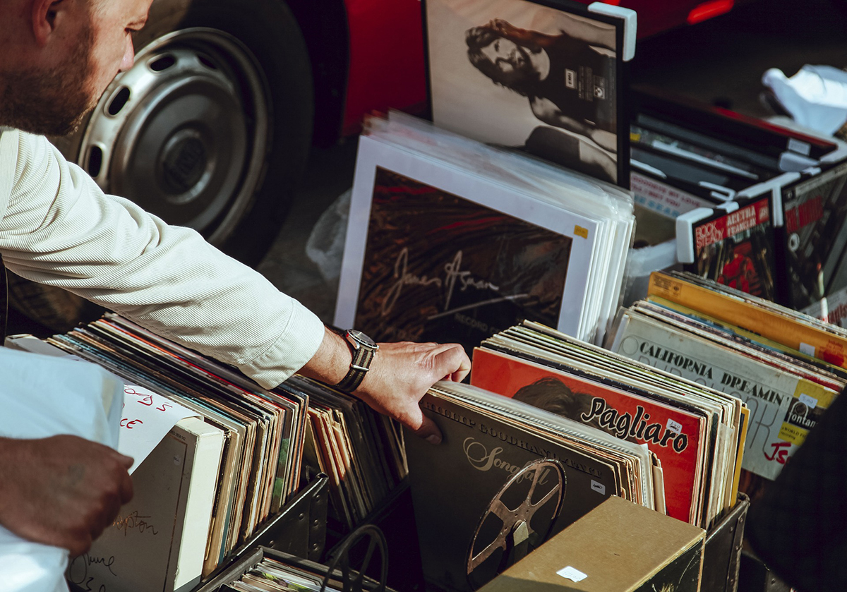 Our Spring Vinyl Records Sale will be accepting donations on April 11-13, 15-18, 23-27 during the hours of 10 a.m. - 2 p.m. as well as April 17 & 24 from 5 p.m. - 7 p.m. What to donate: Records: LPs, 45 & 78 rpm, CDs, CD players, DVD & Blu-Ray movies, DVD & Blu-Ray players, shelf systems, iPod docks & MP3 players, turntables, speakers & wires, receivers & tuners, amplifiers & components, and boom boxes.