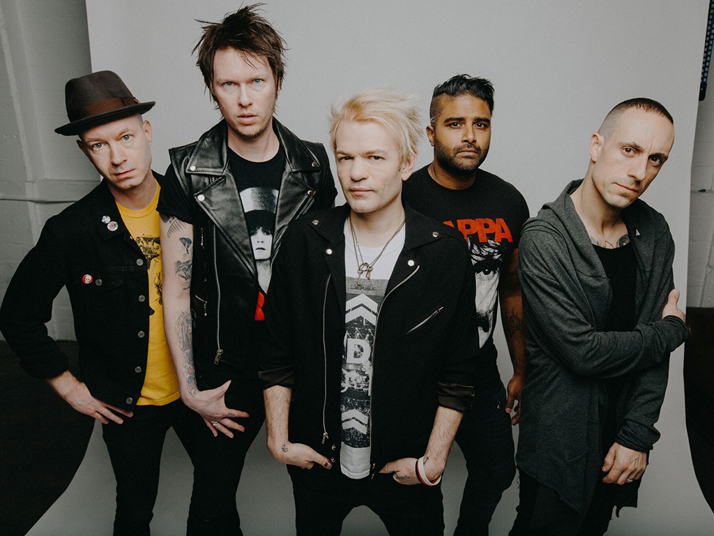 (L-R) Tom Thacker, Jason McCaslin, Deryck Whibley, Dave Baksh and Frank Zummo of Sum 41.