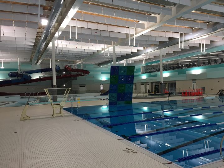 A photo of the aquatic centre at the Cor Van Raay YMCA in Lethbridge.