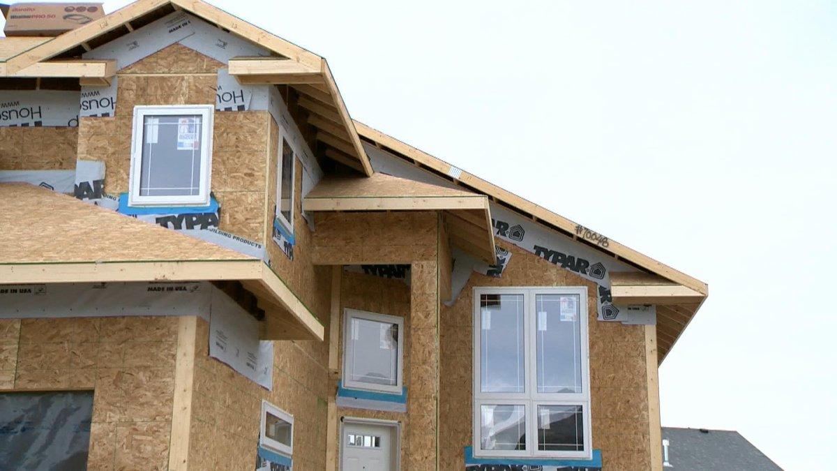 Manitoba homebuilders are taking additional precautions on the job due to the novel coronavirus pandemic.