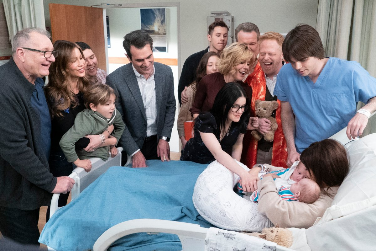 """""""A Year of Birthdays"""" - As the birth of Haley and Dylan's twins approaches, we take a look back at how each family member celebrated their birthdays this past year on the season finale of 'Modern Family,' WEDNESDAY, MAY 8 (9:00-9:31 p.m. EDT), on The ABC Television Network."""