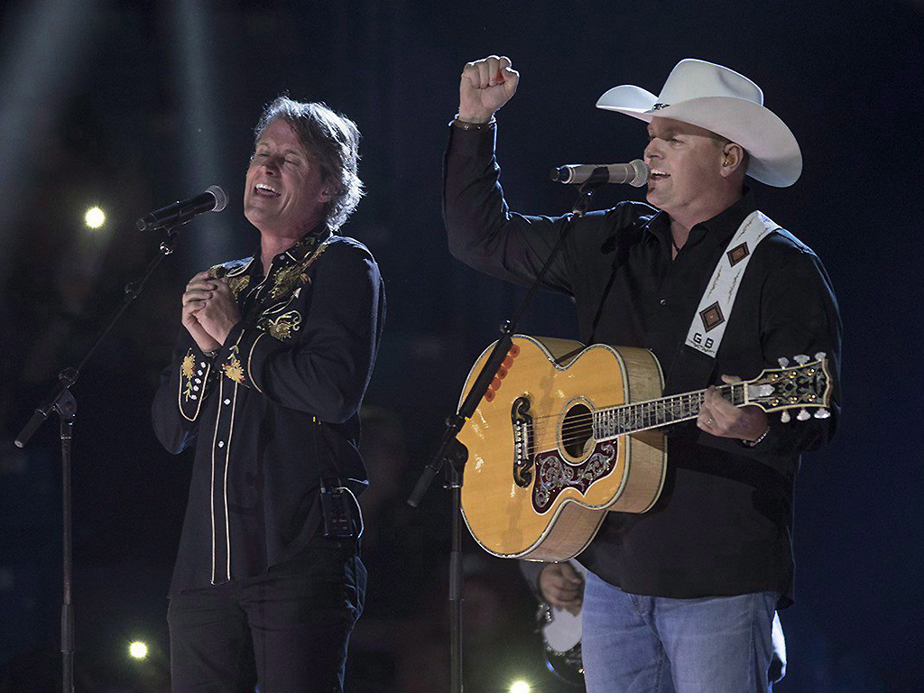 Jim Cuddy, left, and Gord Bamford perform at the Canadian Country Music Association Awards in Saskatoon on September 10, 2017.