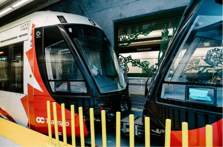 A coupled Ottawa LRT train in the underground Parliament station downtown.