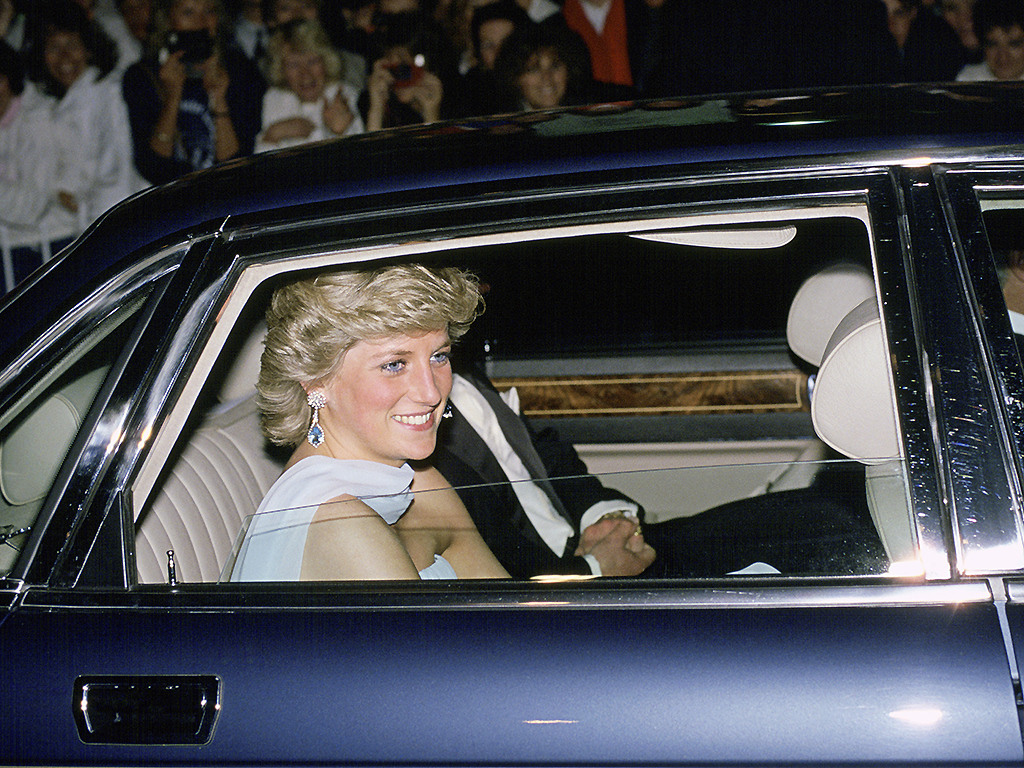 princess diana s fatal car crash turned into attraction at national enquirer live theme park national globalnews ca princess diana s fatal car crash turned