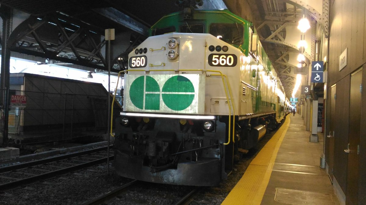 GO Transit alerting riders that the Lakeshore line will run every hour, not every half-hour, this weekend.