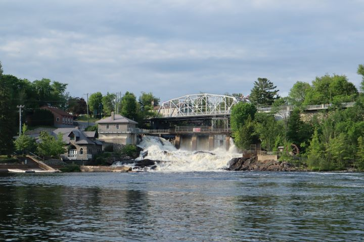 The Bracebridge Falls are at the community's trademark.