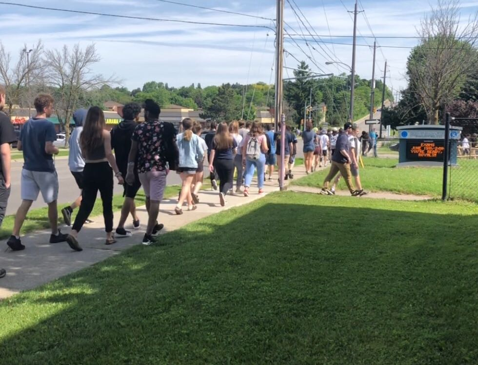 Students at John F. Ross Collegiate Vocational Institute were able to return to class and write their exams following a false alarm that led to an evacuation on Wednesday morning.