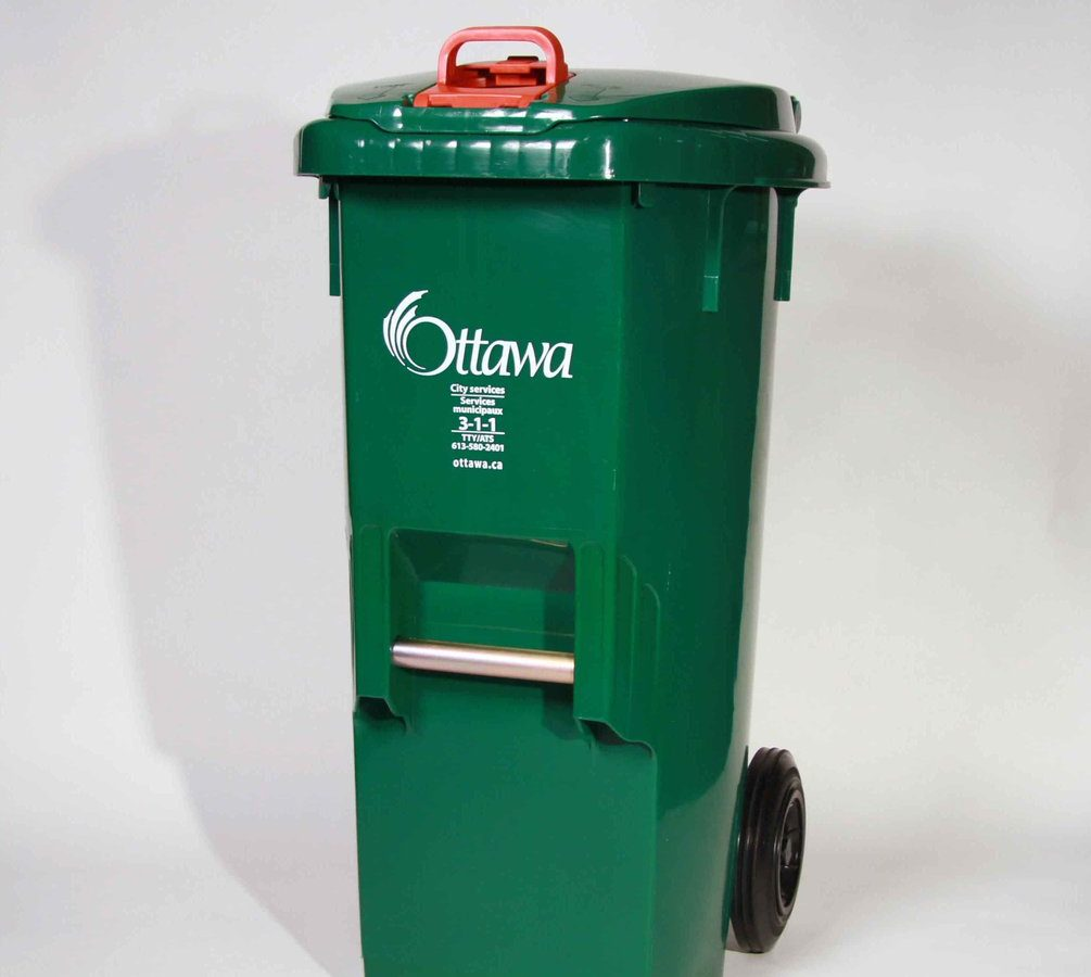 Starting on July 2, Ottawa residents can begin bagging their organic waste in plastic bags before tossing them in the green bin. The city is also allowing residents to dump pet waste in the bins.