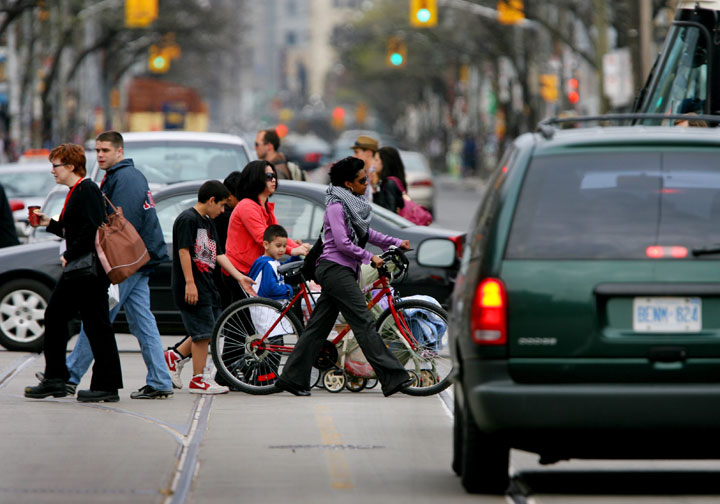 Living in a walkable neighbourhood could be good for your health, but not if there is a lot of air pollution from cars.