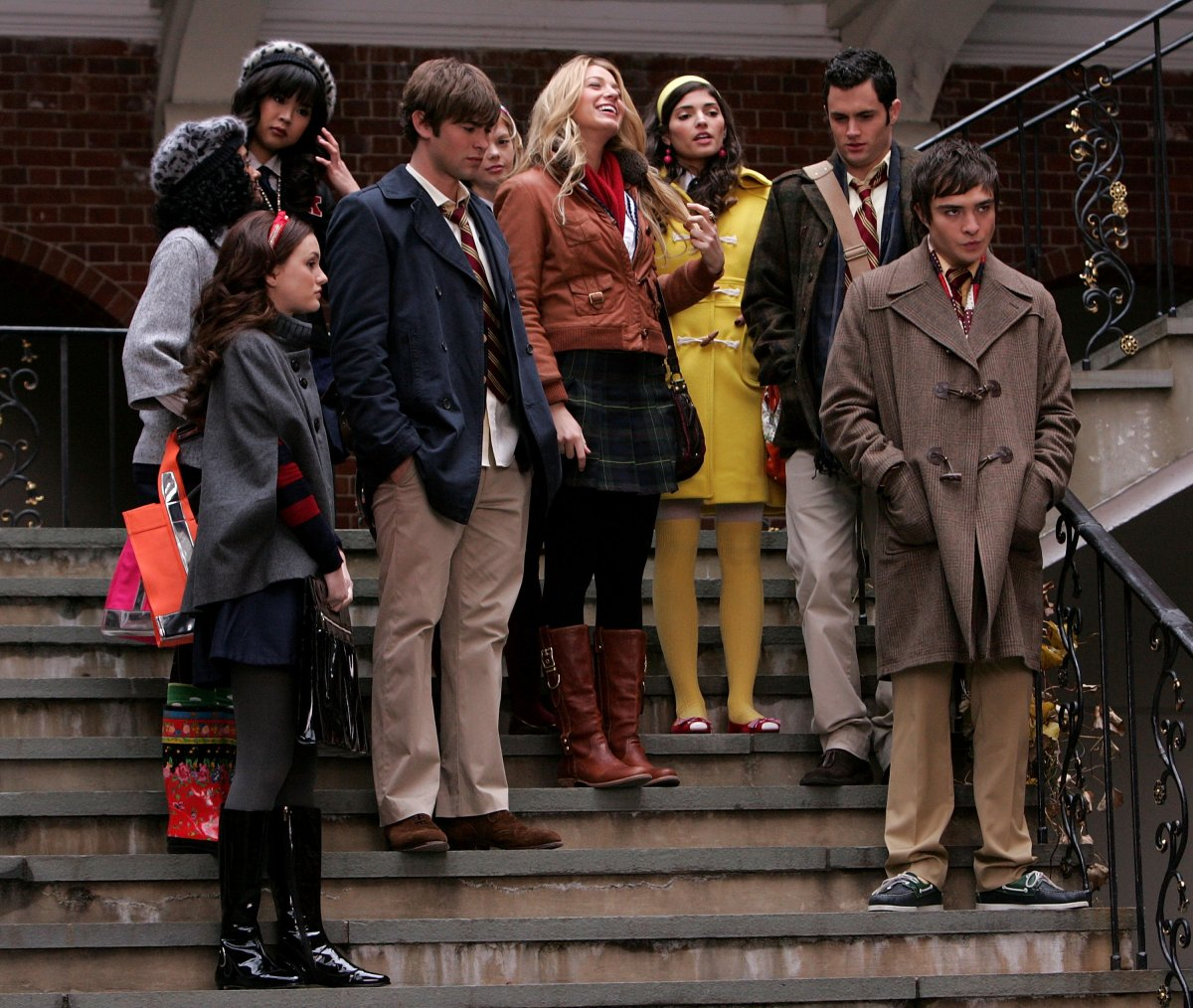 Leighton Meester, Chace Crawford, Blake Lively, Penn Badgley and Ed Westwick on location for 'Gossip Girl' in New York City on Nov. 27, 2007  .