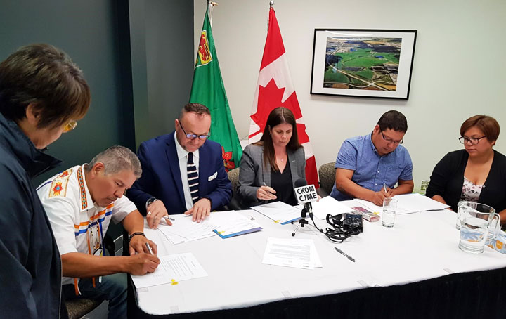 An MOU has been signed to provide consulting services for the development of a hydro-electric power generating facility on James Smith Cree Nation.