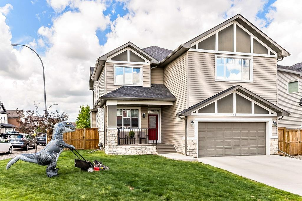 Pictures used by Re/Max for their listing of 41 Cimarron Springs Way in Okotoks, Alta.