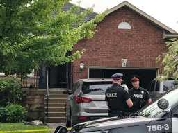Continue reading: UPDATE: Man breaks into Hamilton home, shoots neighbour dead: police