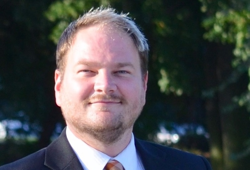 The NDP removed its Kamloops-Thompson-Cariboo candidate just before the federal election campaign kicked off on Wednesday.