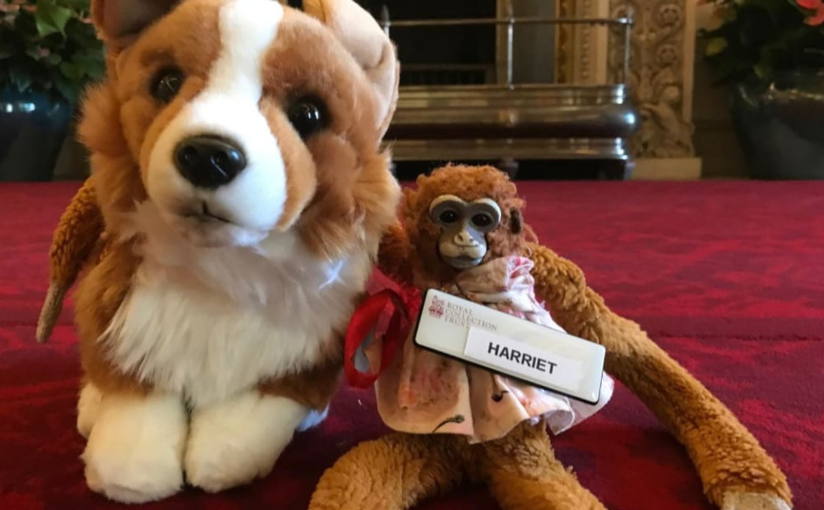 Katie Hart's daughter forgot her toy monkey during a Buckingham Palace tour.