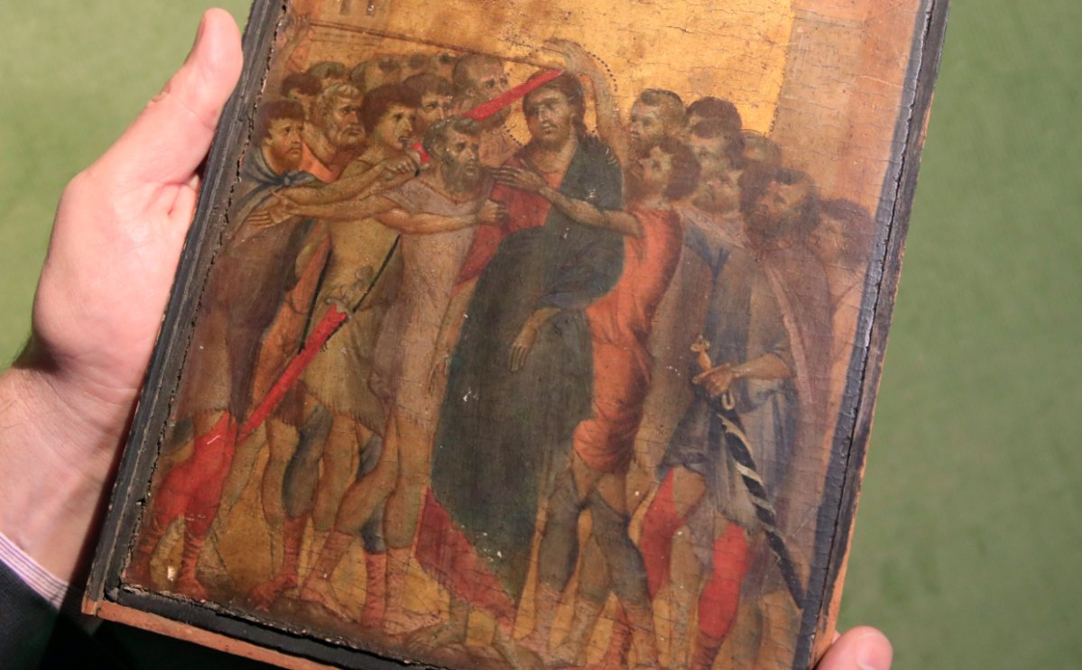 A 13th-century painting by Italian artist Cimabue was found in an elderly woman's home in Compiegne, France.