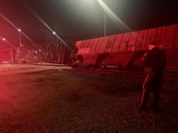 Continue reading: Emergency crews respond to train derailment in southeast Calgary