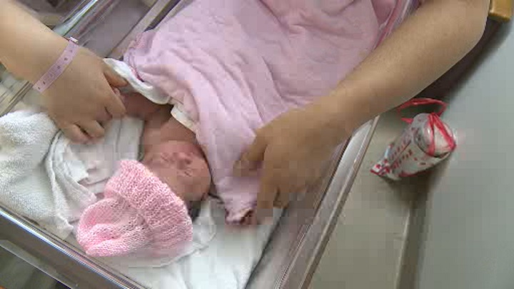 Chinook Regional Hospital is providing more options for expecting mothers starting next month.