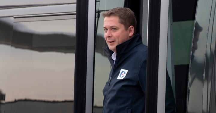 Liberals post video of Scheer sitting during 'O Canada'; Tory leader says they politicized anthem