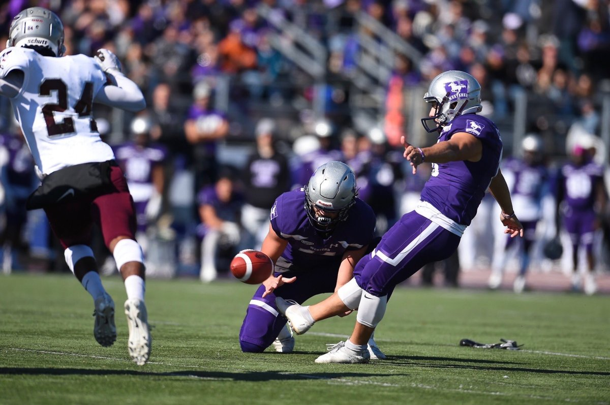 Record-setting day for Marc Liegghio and an unbeaten 2019 for the Western Mustangs - image