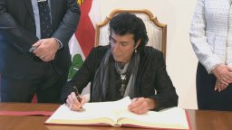 Continue reading: Singer Andy Kim signs Montreal's golden book