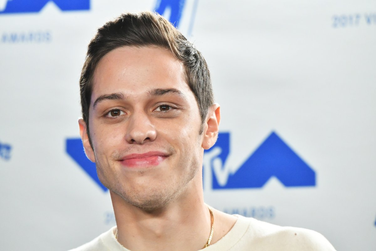 Pete Davidson poses in the press room during the 2017 MTV Video Music Awards at The Forum on August 27, 2017 in Inglewood, Calif.