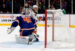 Continue reading: Silfverberg lifts Ducks past Islanders 6-5 in shootout