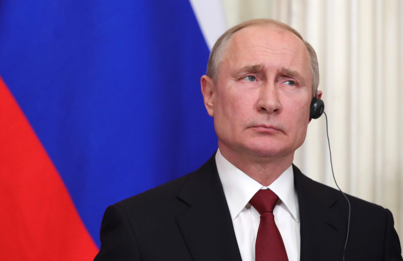 Russia S Vladimir Putin Turns Down Idea Of Soviet Style Leaders For Life National Globalnews Ca