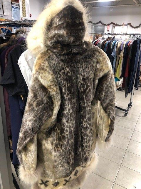 Vintage Sealskin Parka Left In Edmonton, What Are Eskimo Coats Made Of