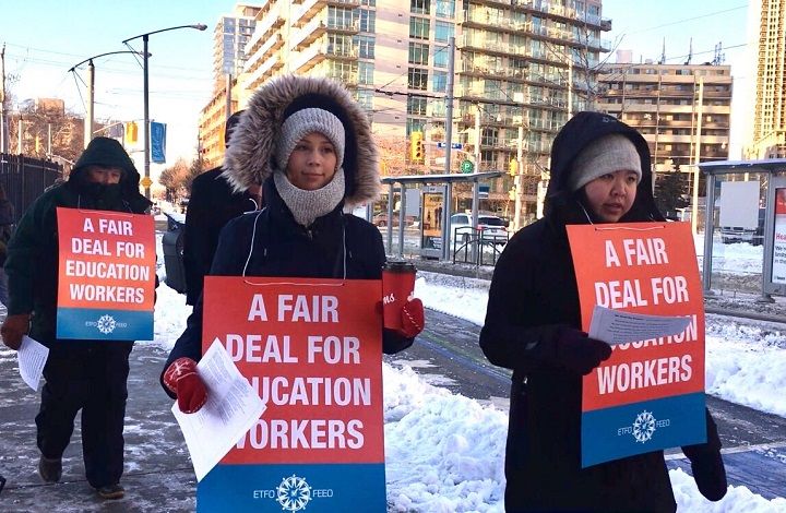 Teachers with ETFO picket in Toronto for the one-day strike action. (Jan. 20, 2020).