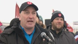 Continue reading: Unifor's lead negotiator arrested by Regina police, charged with mischief