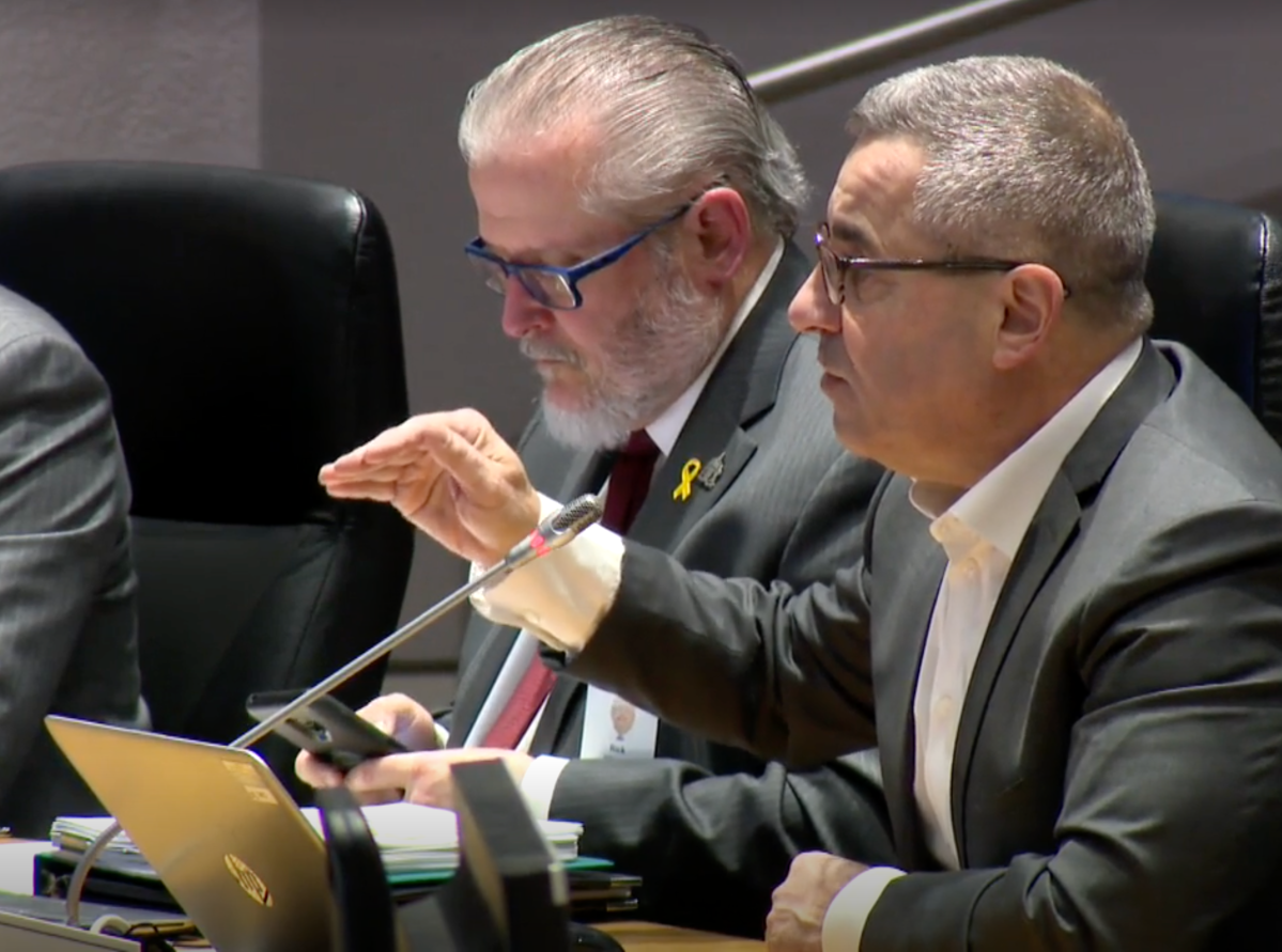 City manager Steve Kanellakos (right) is pictured at Ottawa city hall on Thursday, Jan. 23, 2020.