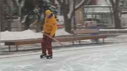 Continue reading: Man stops in Edmonton for leg of skating marathon for Alzheimer's