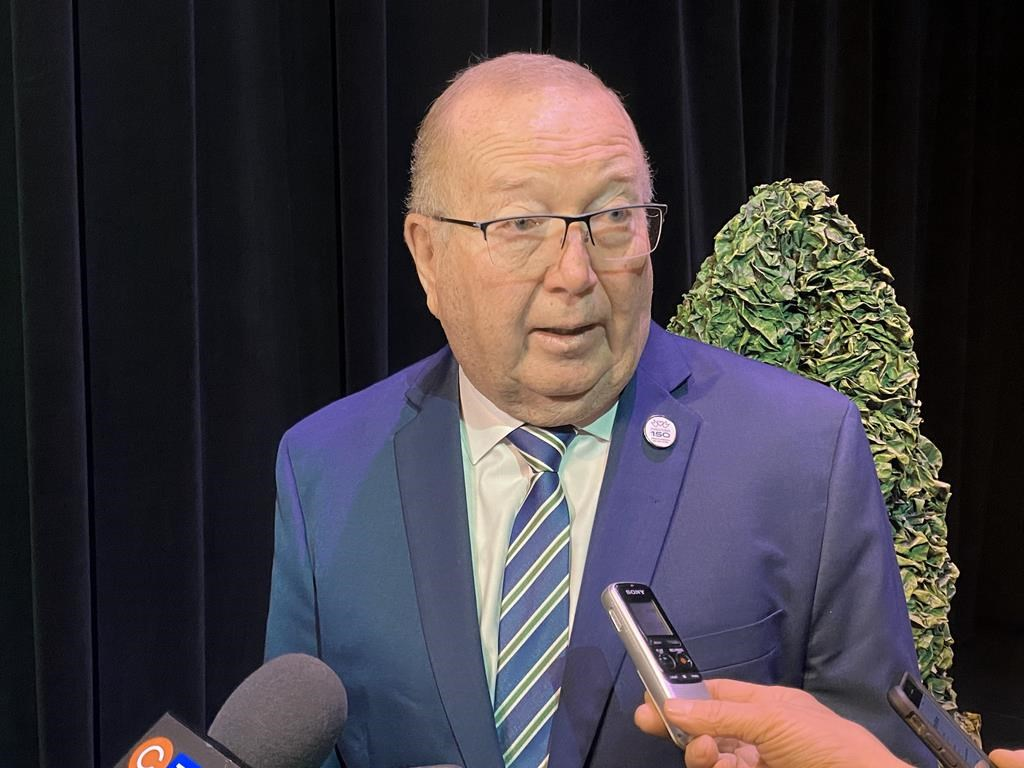 In a mandate letter sent to post-secondary institutions, Economic Development and Training Minister Ralph Eichler urges colleges and universities to look at sharing procurement and other services.