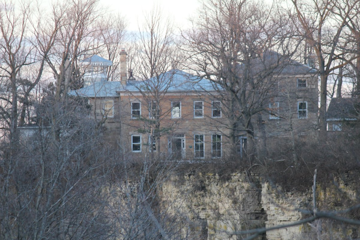 The city of Hamilton has come to a lease arrangement with Cardus to occupy the now vacant Balfour House.